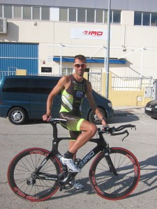 Alberto González pedalea 3