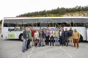 El presidente de la Comunidad junto a los alcaldes.