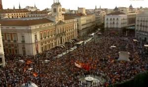 Manifestación en la Puerta del Sol en favor de la República.