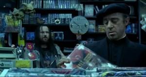Alex Angulo y Antonio Segura en una secuencia de 'El día de la bestia'.