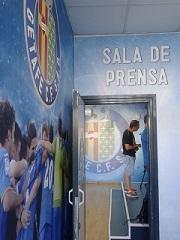 sala de prensa acceso. jpg