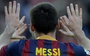 Messi de espaldas