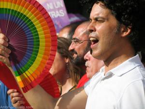 Pedro Zerolo en la manifestación del Orgullo Gay de 2011, como a él le hubiera gustado que le recordaran.